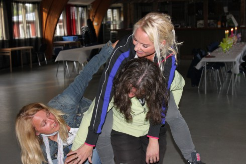 Samarbete på hög nivå demonstrerat av Kari-Anne, Nina och Dina...
