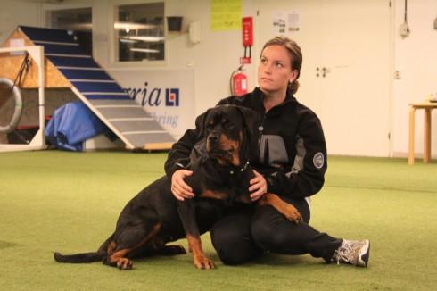 Philippa med sin fina rottweiler Kelly. Dagen efter clinicen blev de uppflyttade till eliten! Stort grattis!