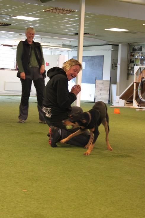 Maria visade engagerad och rolig lekträning med Åsas fina Valle